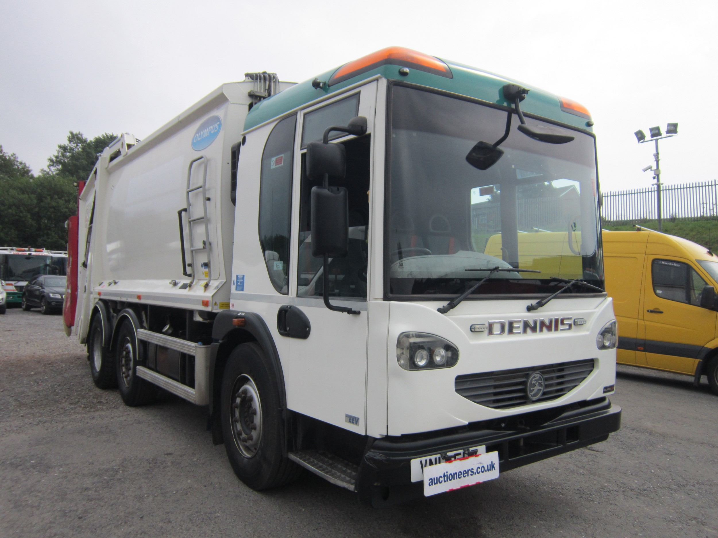 Click to view details about DENNIS ELITE 2 OLYMPUS 6X2 REFUSE C/W BIN LIFT