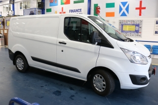 Click to view details about FORD TRANSIT CUSTOM 270 TREND 2.2TDCI 125PS SWB VAN Medium Vans