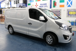 Click to view details about VAUXHALL VIVARO 2900 SPORTIVE 1.6CDTI 115PS SWB VAN Medium Vans