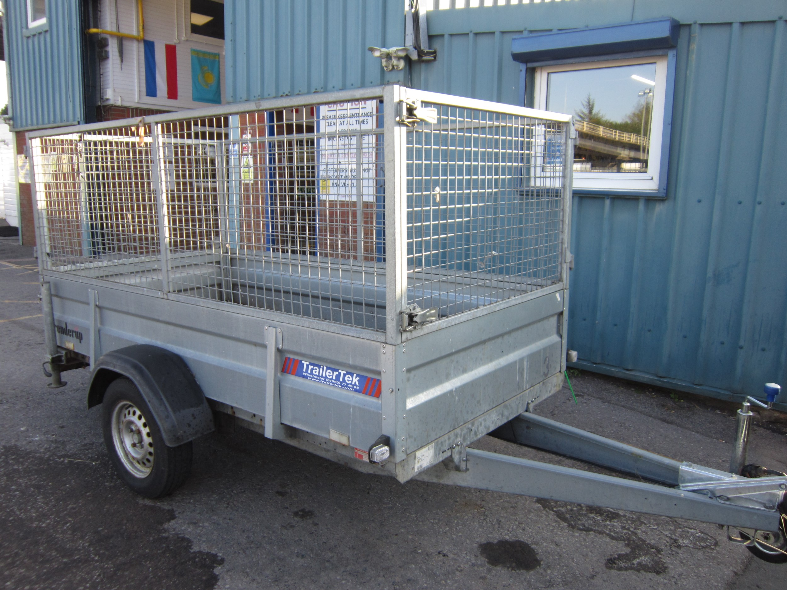 Click to view details about BRENDER UP 1000KG SINGLE AXLE TRAILER C/W CAGED SIDES