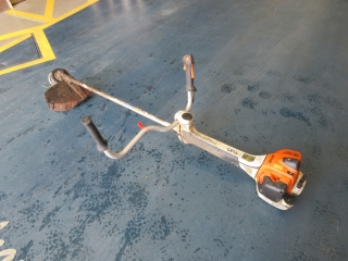 Click to view details about STIHL FS410 C PETROL STRIMMER